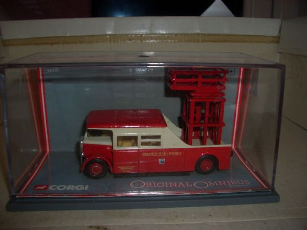 Corgi OOC 42101 AEC Tower Wagon Brighton Hove District Trolleybus MIMB